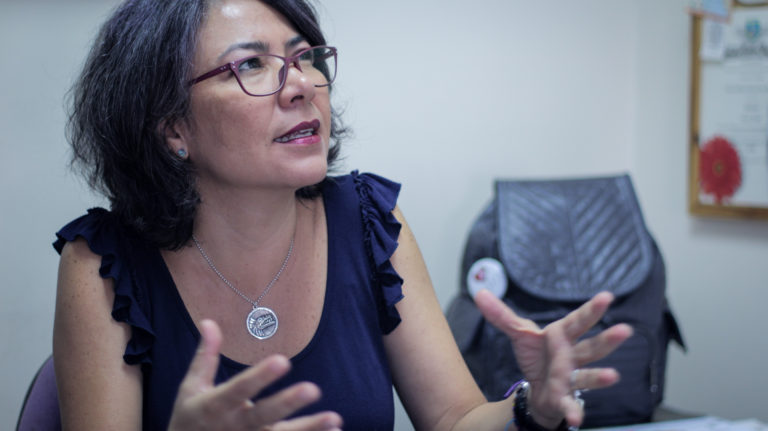 Carla Serrano: La infancia no es una edad para morir