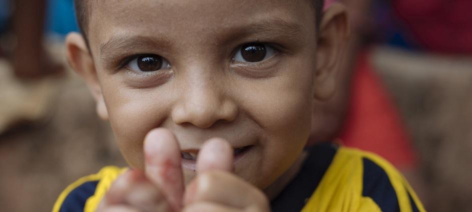 Más de 300.000 niños venezolanos en Colombia necesitan ayuda