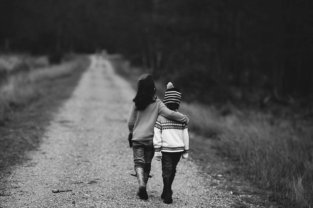 Duelo migratorio causa trastornos emocionales en niños y adolescentes dejados atrás