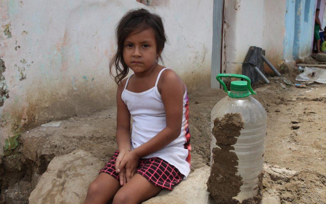 28% de las niñas refugiadas venezolanas dejó los estudios por falta de documentos