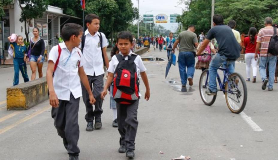 Programa Mundial de Alimentos da comida a más de 9.000 niños venezolanos