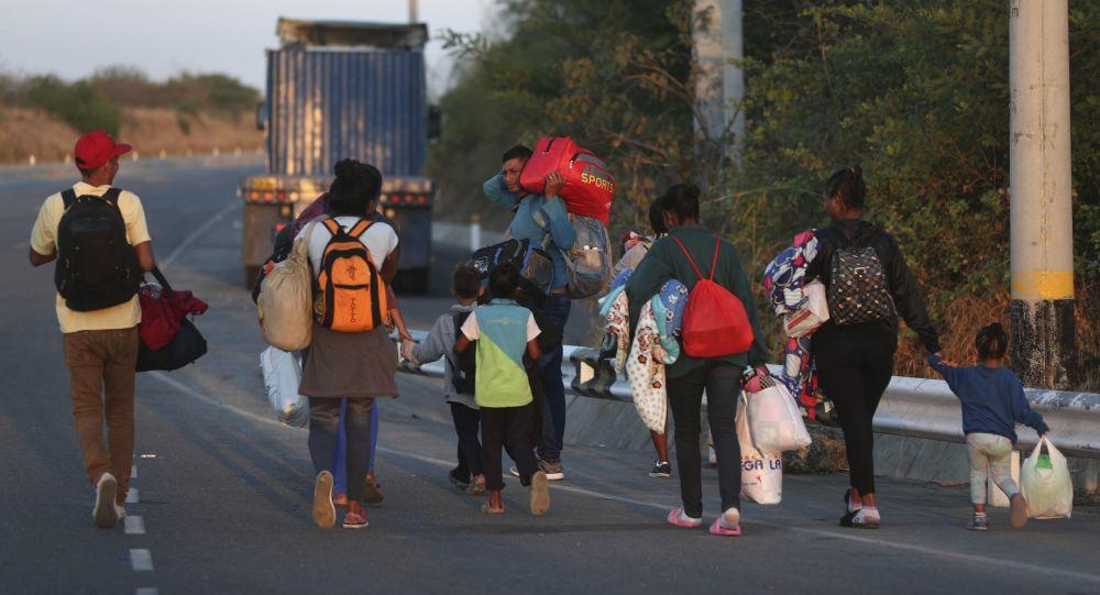 Hijos del éxodo venezolano: historias invisibles de los niños que migran con sus padres