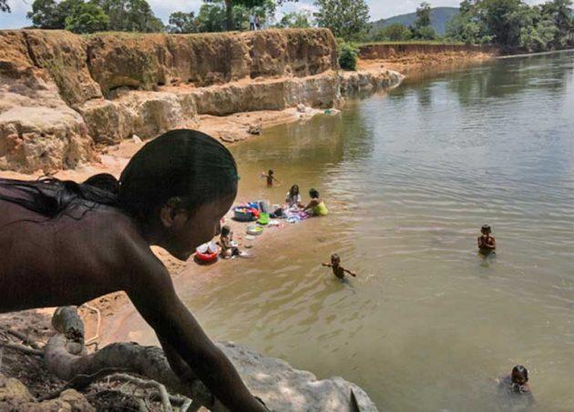 Desde 2016 hay incremento de explotación de niños, niñas y adolescentes en zonas mineras, dice Bachelet