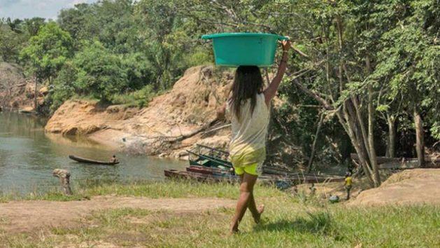 Miles de mujeres y niñas sobreviven como esclavas en las minas de Venezuela