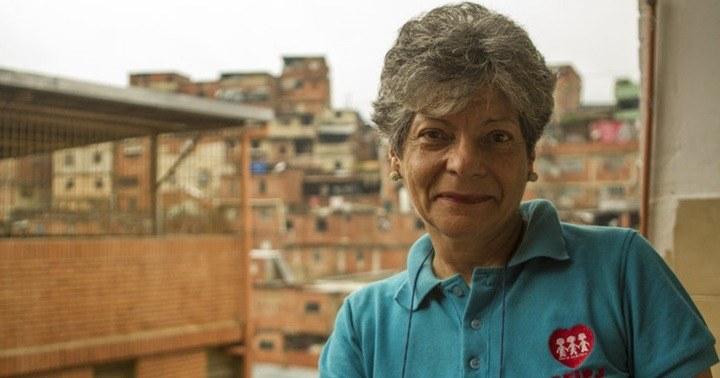 Luisa Pernalete: Refuerzo escolar aprender a leer jugando