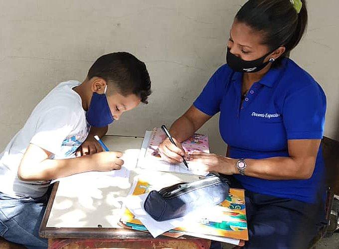 Colegios privados ensayaron clases semipresenciales en primer lapso del año escolar