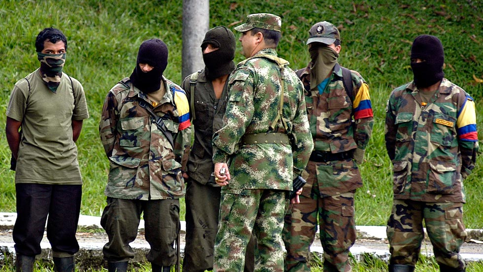 Guerrilla colombiana utiliza el hambre para captar a niños y jóvenes en Venezuela