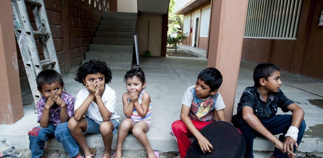150.000 niños venezolanos que viven en Colombia no forman parte del sistema educativo
