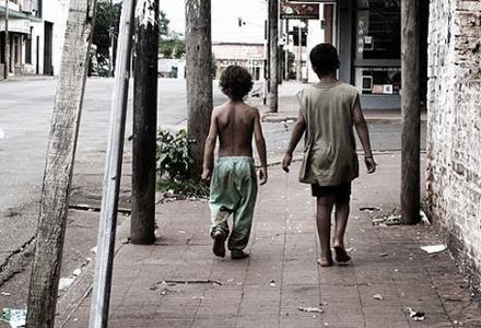 Proadopción alza la voz por los niños privados de su familia en medio de la pandemia